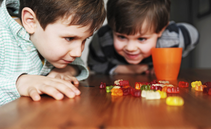 A group of Australian researchers, led by Constantine Gasser, discover that candy consumption is not related to obesity.
